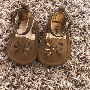 Old Navy baby girl camel colored sandal